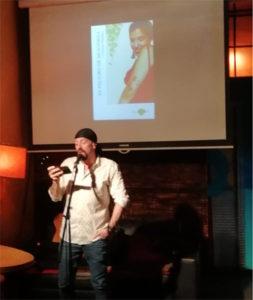 Foto Carlos Salem en La poesía mancha